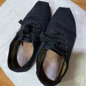 Toms black shoes size 5.5